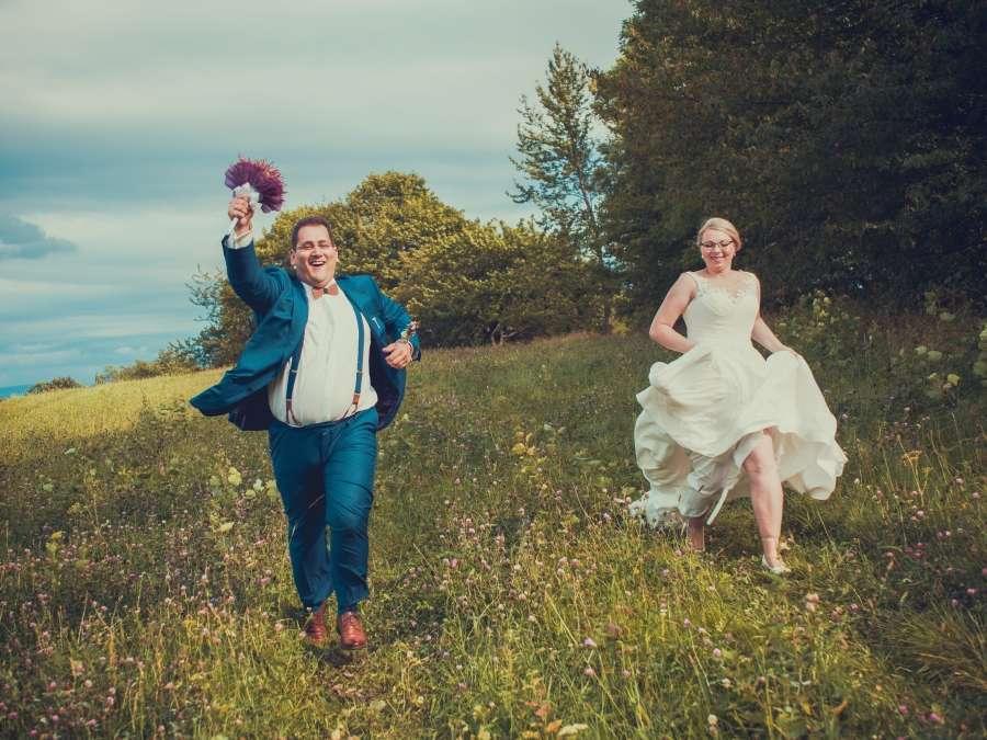 Překrásná luční svatba focení