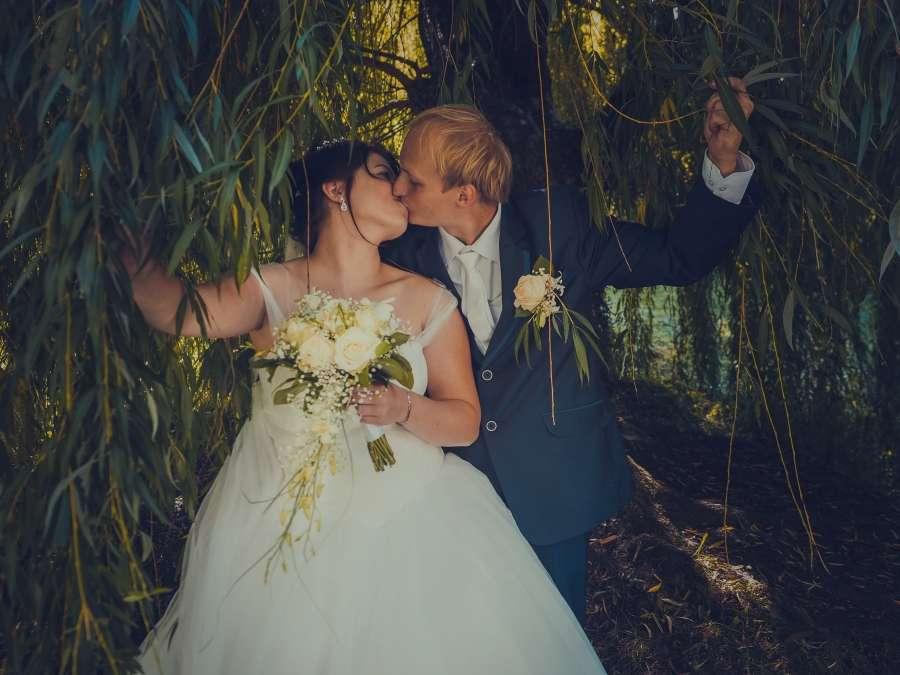Letní svatba v parku focení